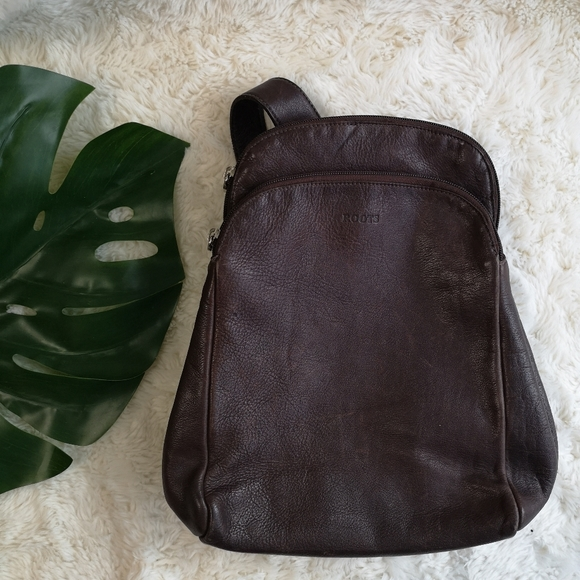 Roots Handbags - Roots vintage leather backpack